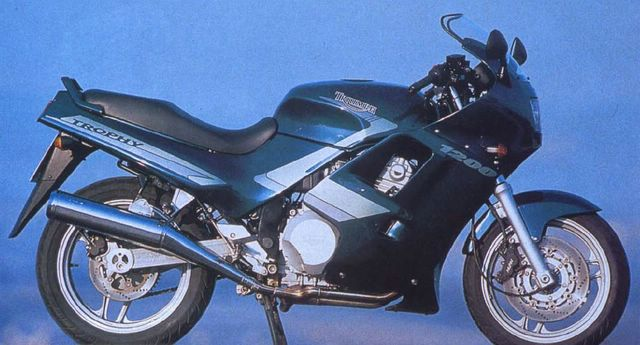 1990 Triumph Trophy 1200 - lotto 100 pz