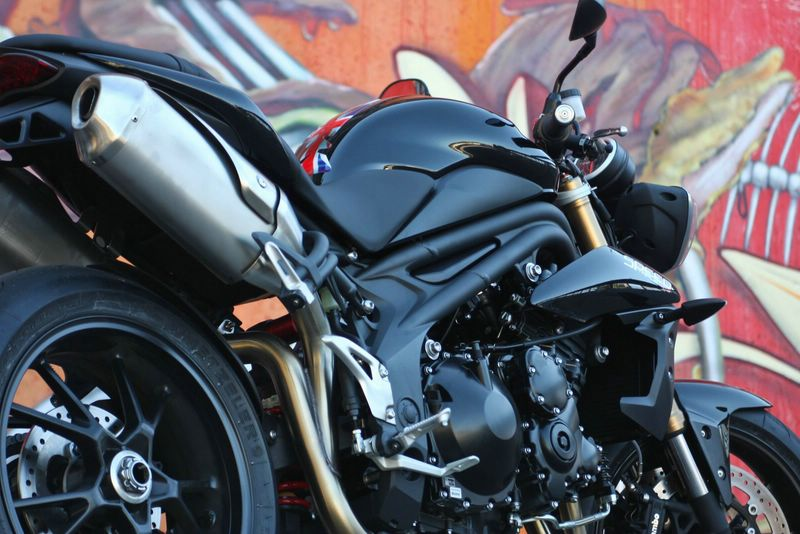 Triumph Speed Triple MY2011 Prova