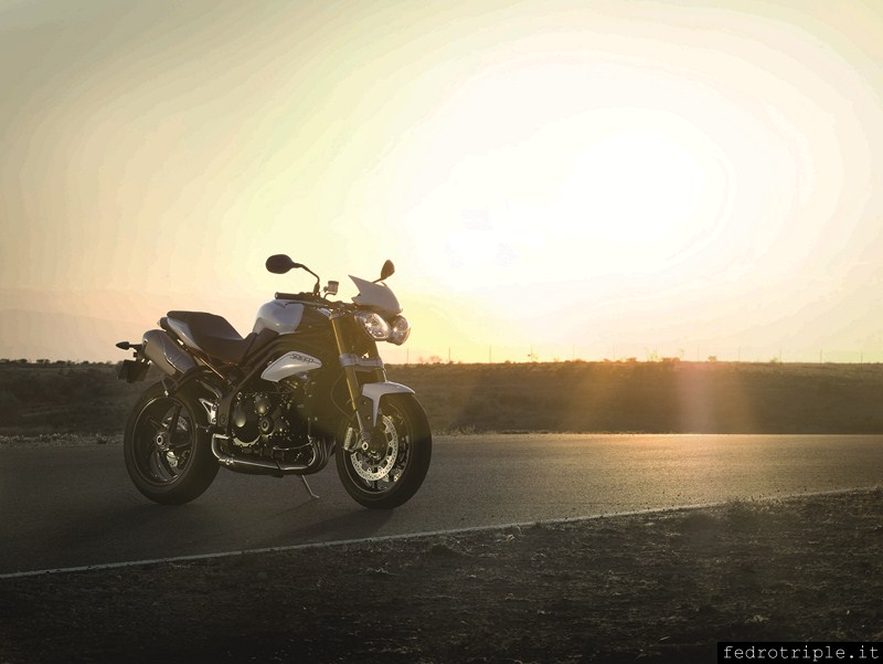 2012 Triumph Speed Triple R official photos