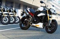 2011 Video Triumph Speed Triple R