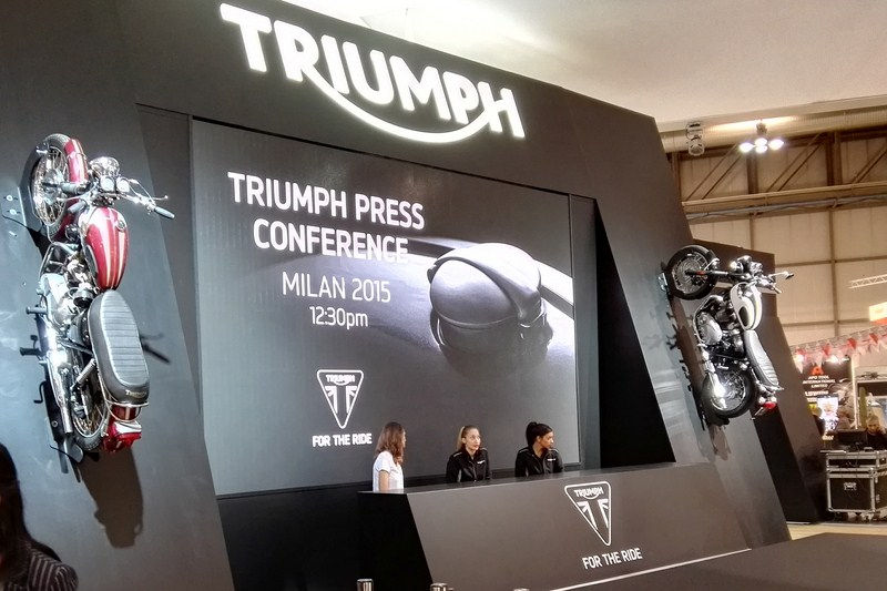 Triumph Speed Triple e Speed Triple R MY2016 - EICMA 2015
