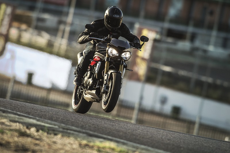 Triumph Speed Triple e Speed Triple R MY2016